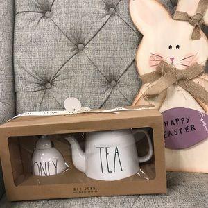 Rae Dunn Honey and Tea Pot Set